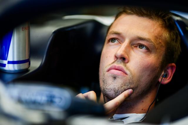 画像: ダニール・クビアト(アルファタウリ・ホンダ)。レースペースは良かったが、突然コントロールを失ってクラッシュ。マシントラブルか。