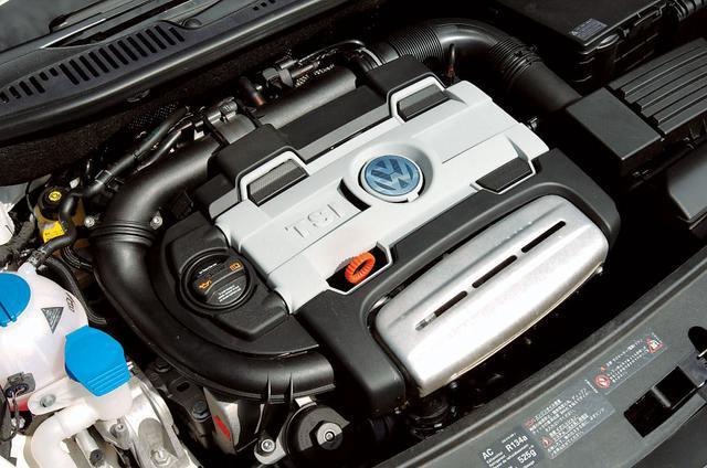 画像: 従来の1.6FSI(ゴルフトゥーランE:116ps)と2.0FSI(ゴルフトゥーランGLi:150ps)にとって代わるTSIエンジン。TSIトレンドラインが140ps、TSIハイラインは170psと仕様をかえて、ハイパフォーマンスと低燃費をバランスさせている。