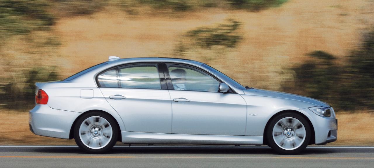 Images : 2番目の画像 - Cクラスのライバル_BMW3シリーズ、アウディA4、アルファ159 - Webモーターマガジン