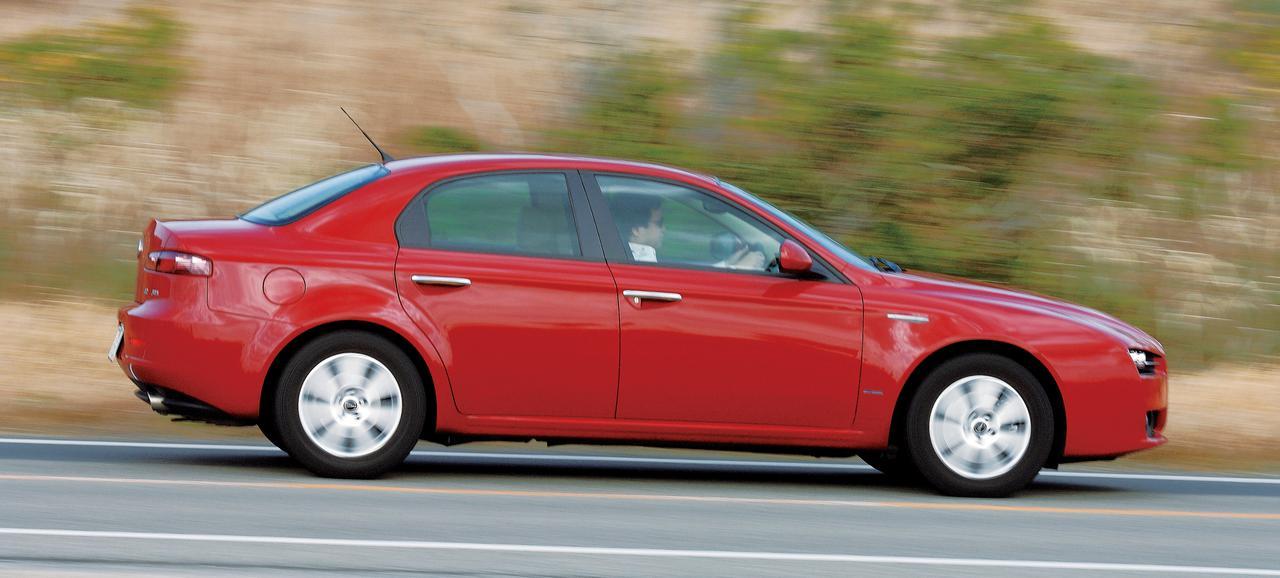 Images : 8番目の画像 - Cクラスのライバル_BMW3シリーズ、アウディA4、アルファ159 - LAWRENCE - Motorcycle x Cars + α = Your Life.