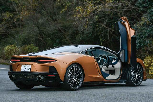 画像: ディヘドラル式ドアや最新の「モノセルII-T」と呼ばれるカーボンファイバー製のバスタブシャシなどマクラーレンの最新技術を踏襲しながら、快適性を高めたマクラーレンGT。その魅力がさらに高まることになる。