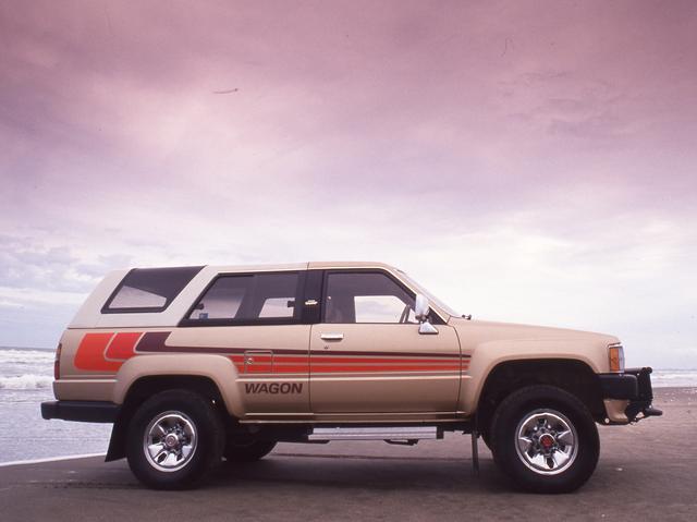 画像: パートタイム式4WDを搭載。「オートマチックロッキングハブ」や「リミテッドスリップデフ」などもオプション設定された。