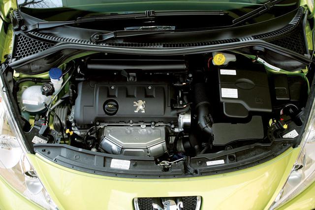 画像: PSAとBMWが共同開発した1.6L NAエンジンは「全域連続可変型バルブタイミング&リフト」機構(バルブトロニック)付。MINIクーパーと同エンジン。