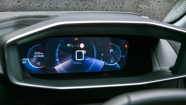 画像: 3D表示によりドライバーは情報に対して約0.5秒ほど反応時間を短縮できるという。
