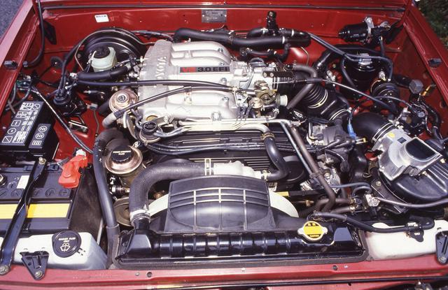 画像: 写真は1990年に新設定された3L V6ガソリンエンジン。