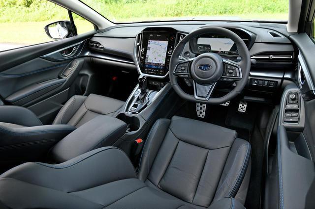 画像: 新型レヴォーグ GT-Hはデジタルコクピットを採用する。「GT」グレードはアナログのメーター。