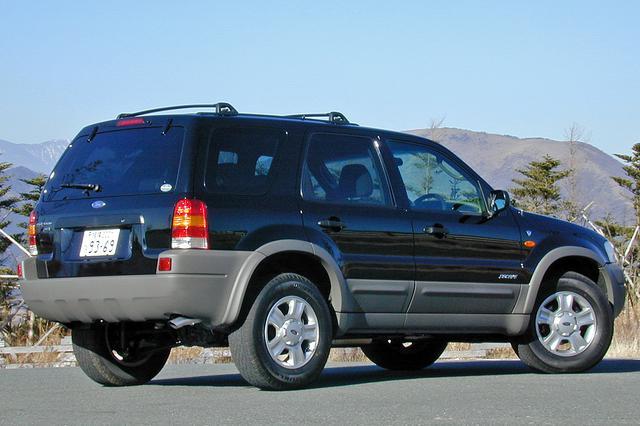 画像: リアまわりのデザインもトリビュートとはかなり異なっており、タフなアメリカン トラックのイメージだ。