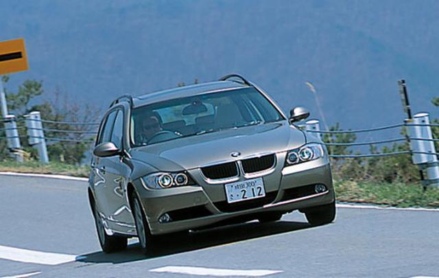 画像: BMW 320i ツーリング。手頃なサイズと高揚感ある走り、豊富なボディバリエーションが特徴。
