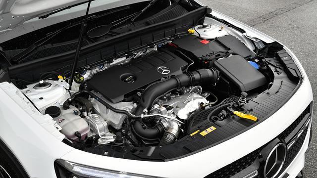 画像: GLB250 4マティックスポーツは2Lターボ+4WD(写真)、 200dは2Lディーゼルターボ+2WDとなる。