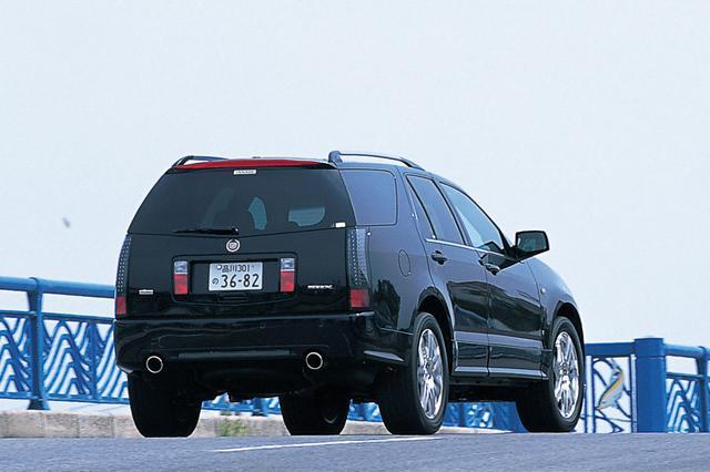 画像: 「シグマ・アーキテクチュア」と呼ばれる乗用車用FRプラットフォームをベースに、AWD機構を組み込んだSUVとして登場。