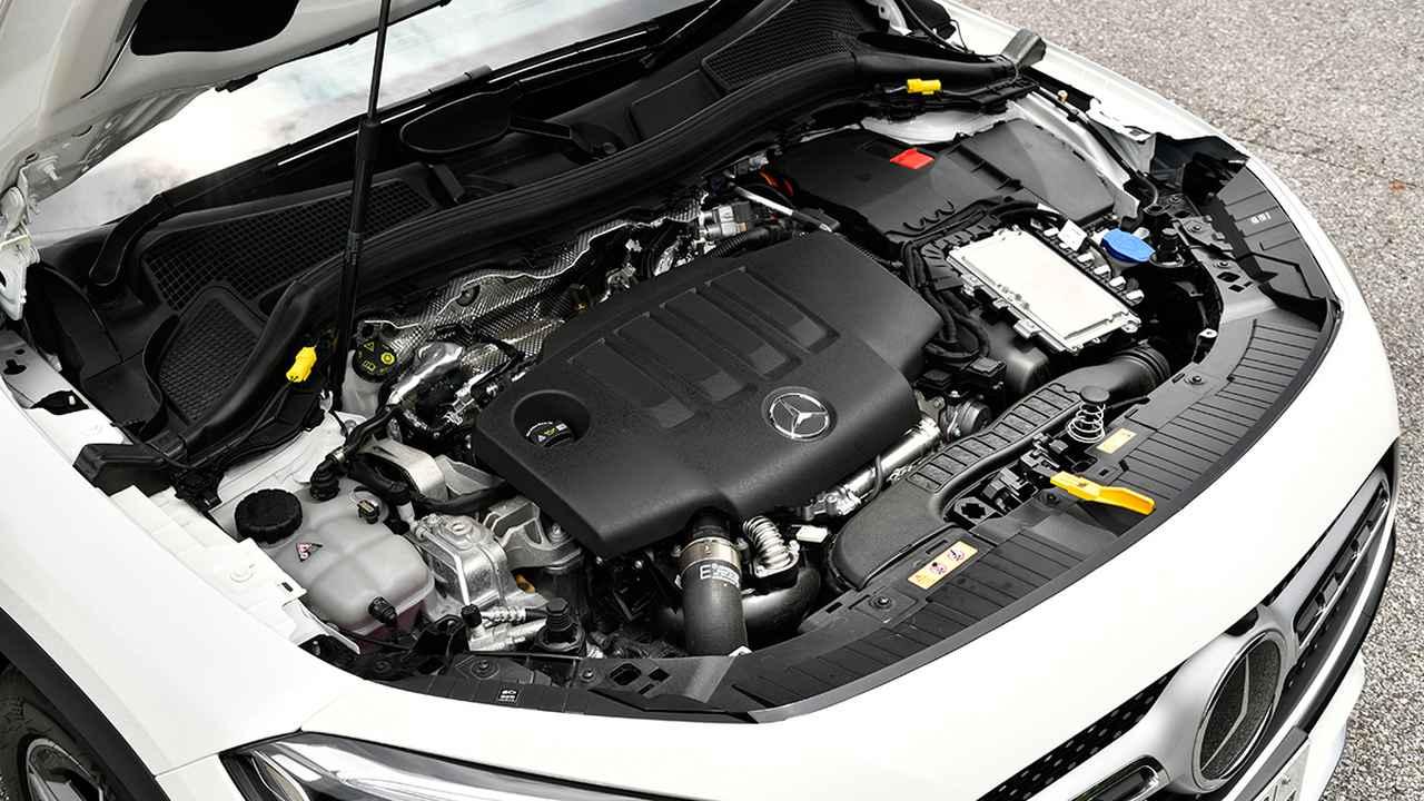 画像: GLAは最高出力150ps、最大トルク320Nmを発生する2Lディーゼルターボエンジンのみ用意。