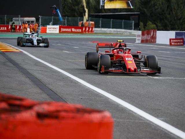画像: 昨年2019年のベルギーGPはポールポジションからスタートしたフェラーリのシャルル・ルクレールがハミルトン(メルセデスAMG)を抑えてF1初優勝を遂げている。