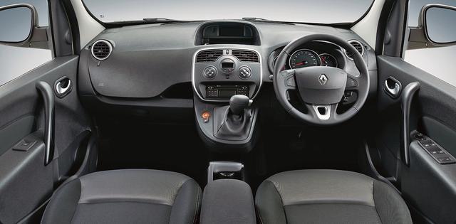 画像: インテリアは、基本的にベース車と変わらない。