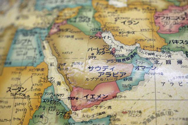 画像: 中東の原油に依存している日本。OPECプラスの協調減産でガソリンは値上がり傾向が続いた。