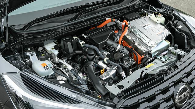 画像: 1.2L直3エンジンを搭載するがそれは発電用。駆動は最大出力129ps、最大トルク260Nmのモーターだ。
