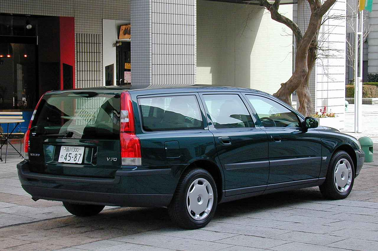 Images : 4番目の画像 - ボルボ V70 - LAWRENCE - Motorcycle x Cars + α = Your Life.