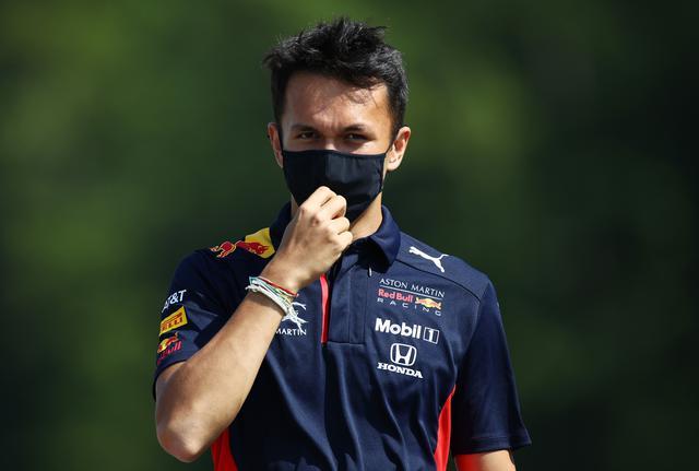 画像: アレクサンダー・アルボン(レッドブル・ホンダ)。イタリアGPでは予選9位、決勝ではマシンにダメージを受けた状態で走行して15位。