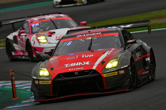 画像: 11号車GAINER TANAX GT-Rが6位入賞でシリーズランキングトップの座を辛くもキープ。