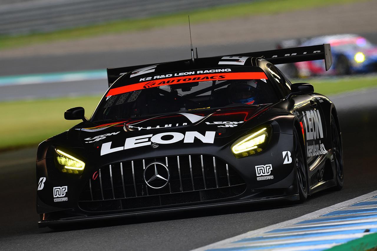 画像: 65号車AMGの足元を支えるのはGT300クラスでシリーズ2連覇中のブリヂストンタイヤ。