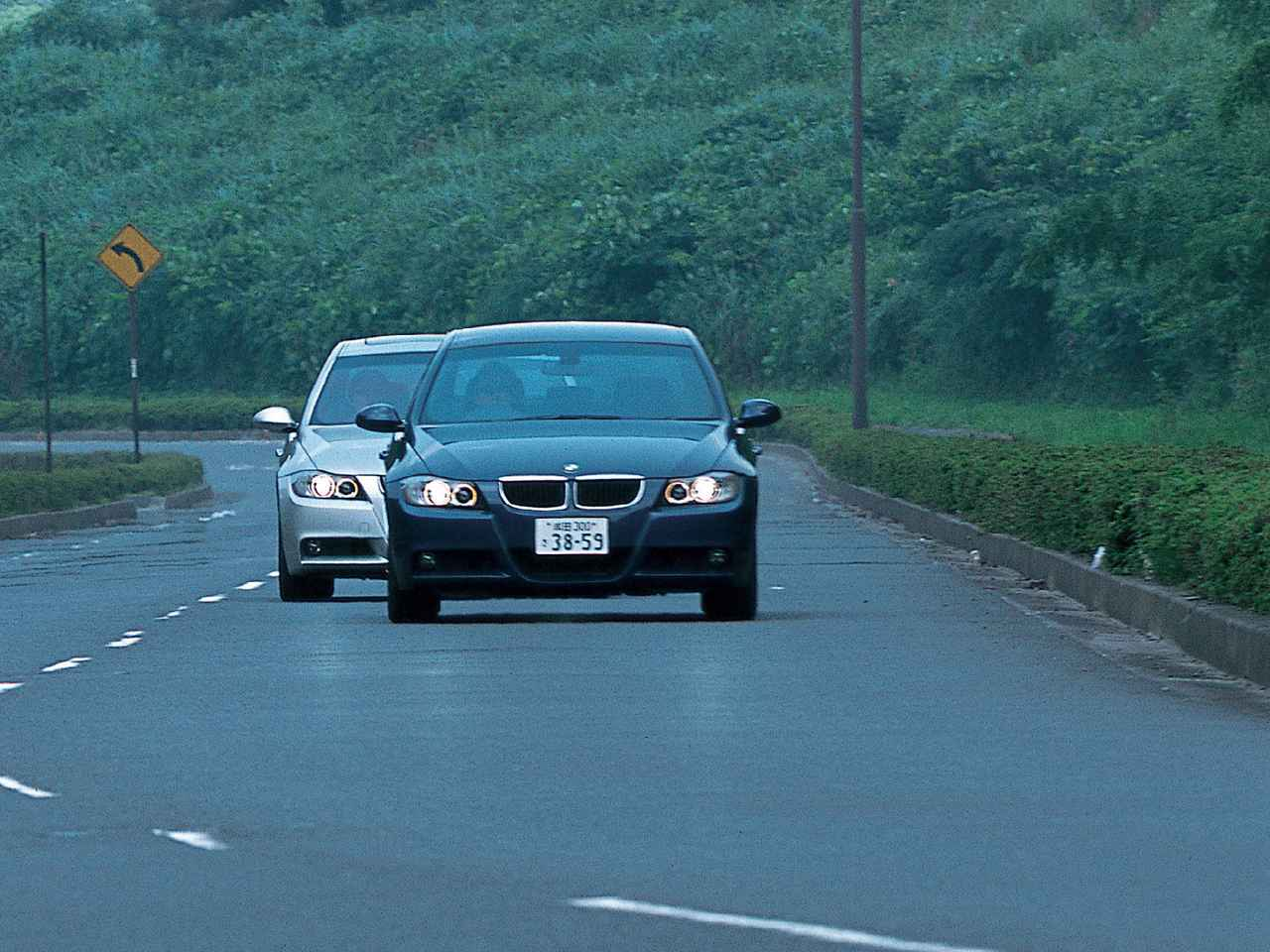 Images : 1番目の画像 - BMW 325iと320i - LAWRENCE - Motorcycle x Cars + α = Your Life.