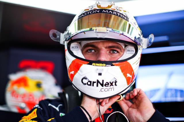 画像: フロントロウ2番グリッドを獲得したマックス・フェルスタッペン(レッドブル・ホンダ)。ポールポジションのルイス・ハミルトン(メルセデスAMG)に対して、ミディアムタイヤで決勝スタートできるアドバンテージもある。