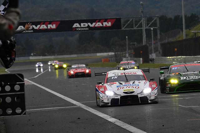 画像: 最後は10秒以上の大差をつけて39号車DENSO KOBELCO SARD GR Supraがスープラの2勝目。