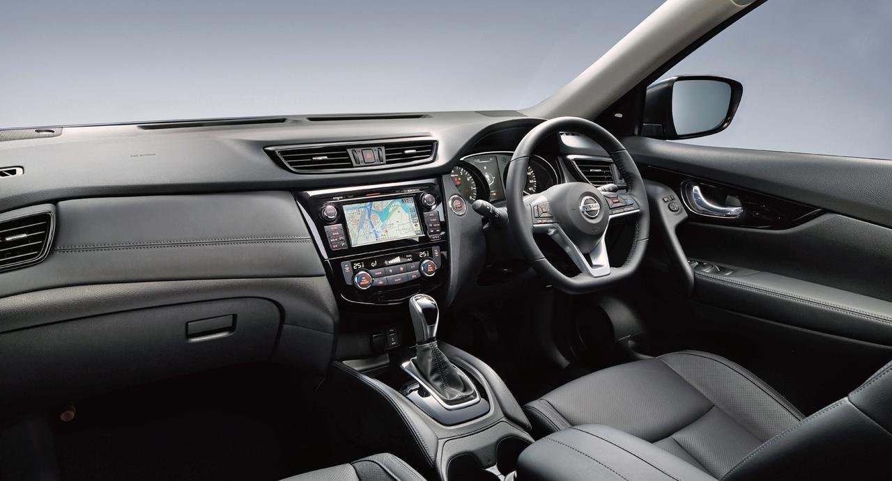 画像: エクストレイル 20Xi レザーエディション Vセレクション(4WD)のインテリア。 内装色はブラック。