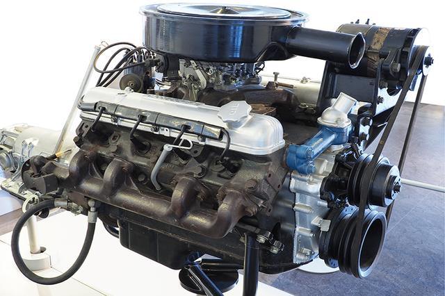 画像: オリジナル開発のW64型エンジンも、6.4LのV8という国産乗用車史上最大で、260psを誇る。絶対的信頼性と整備性重視で、極めてシンプルな方式をとっている。