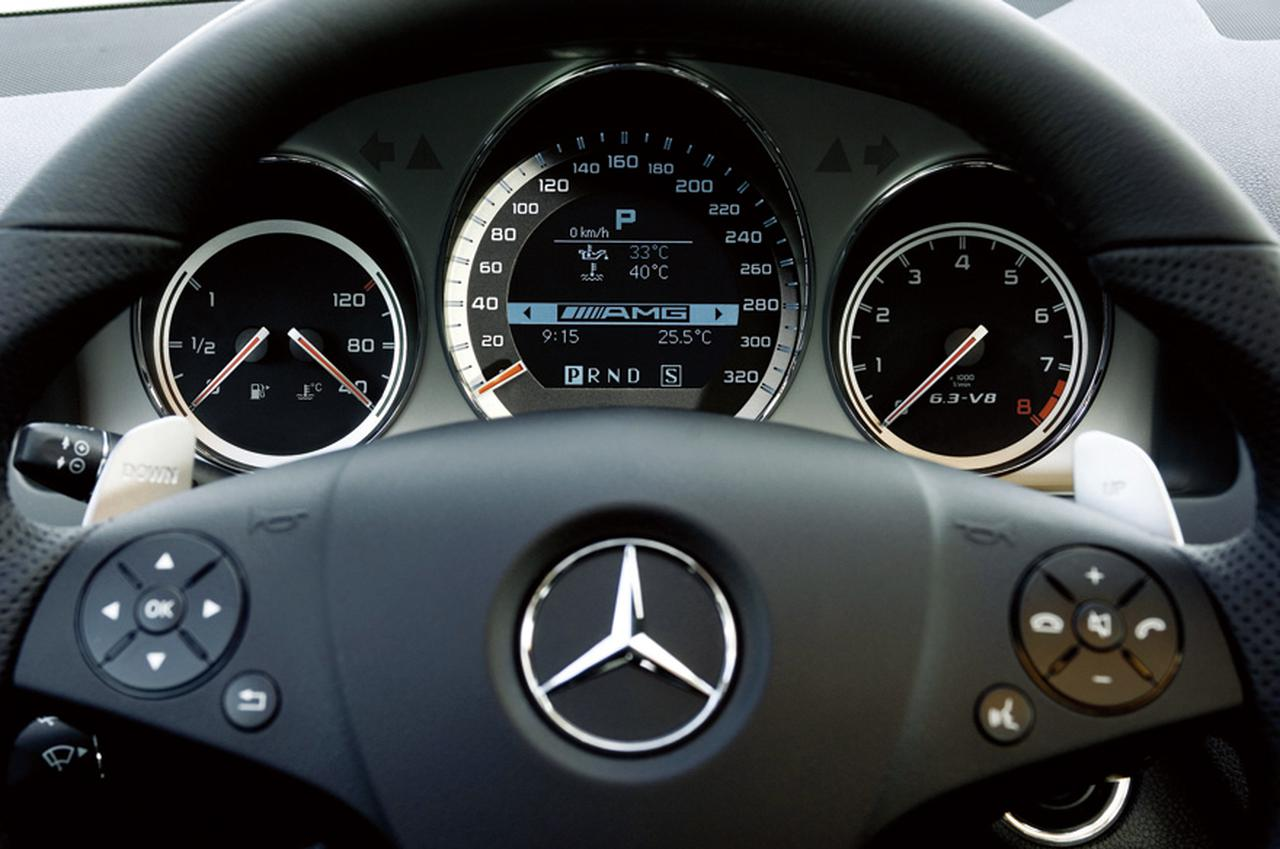 Images : 4番目の画像 - メルセデス・ベンツ C63 AMG - LAWRENCE - Motorcycle x Cars + α = Your Life.