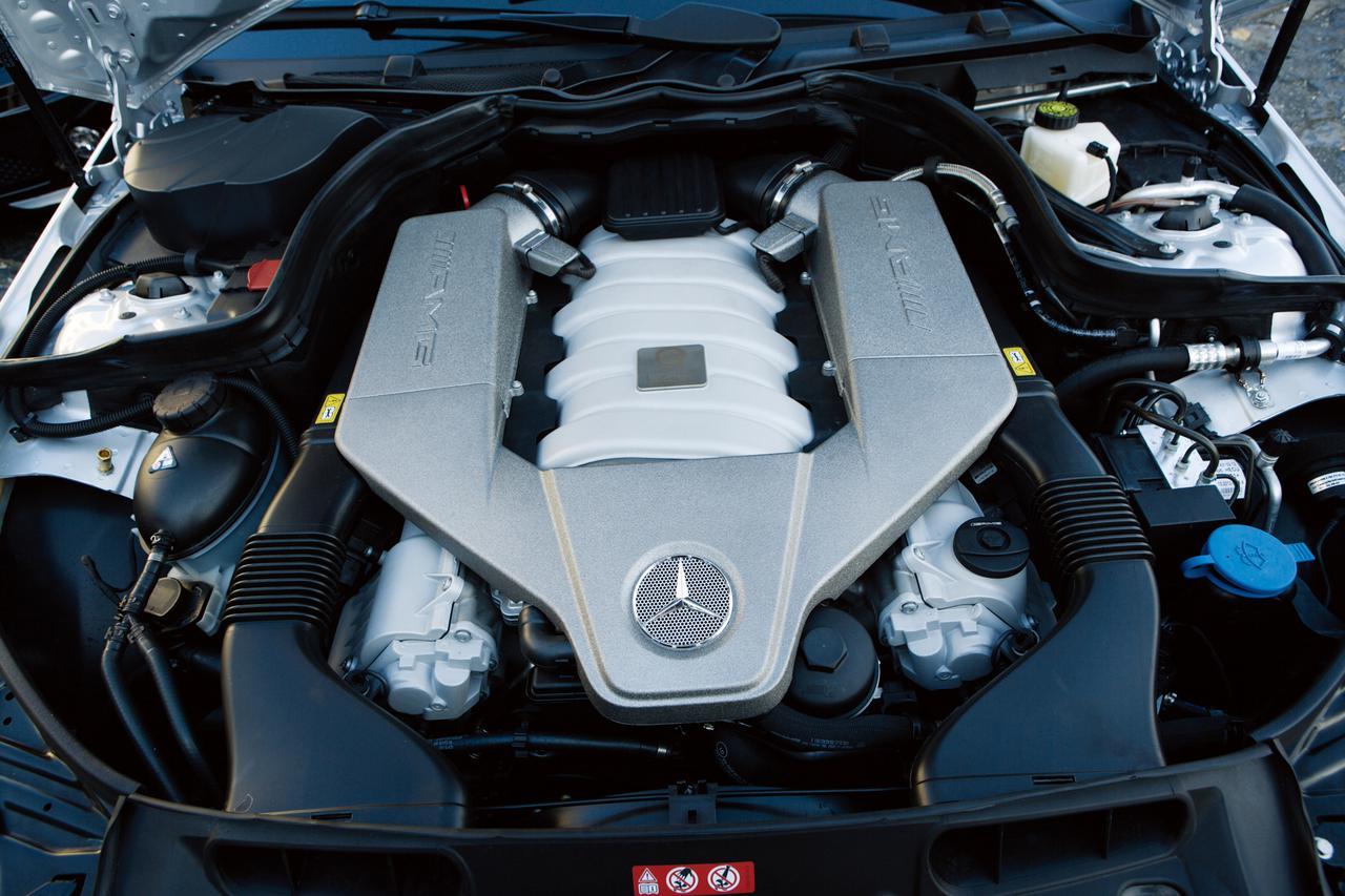 Images : 6番目の画像 - メルセデス・ベンツ C63 AMG - LAWRENCE - Motorcycle x Cars + α = Your Life.