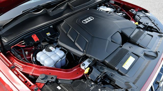画像: Q7 55 TFSIクワトロには48Vマイルドハイブリッド付きの3L V6ターボ(340ps/500Nm)が搭載されている。