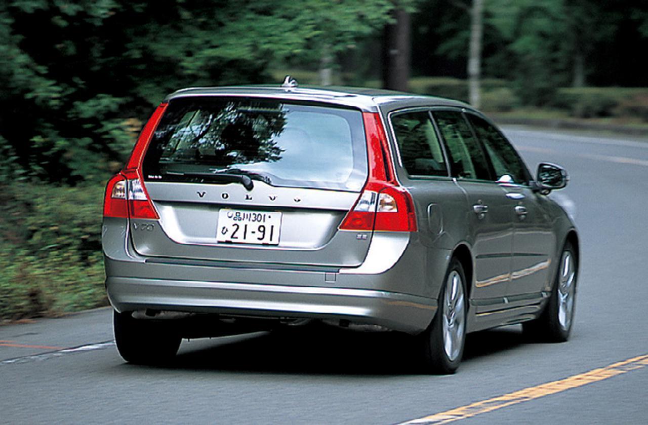 画像: ボルボV70 3.2 SE。3.2 SEの4WDモデルは遅れて登場する予定。今回の試乗車はFF。