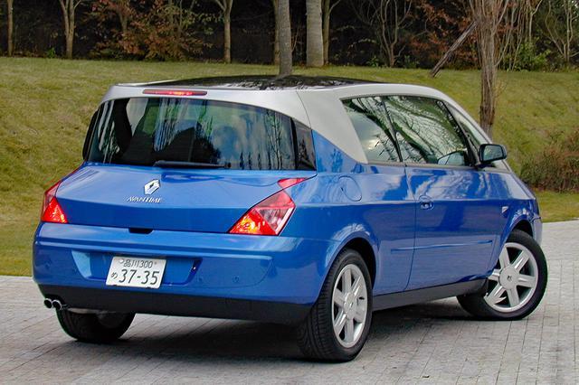 画像: ノッチ付きのリアスタイルはこれから登場してくるルノー車に影響を与えそうだ。リアコンビランプのデザインも独特だ。