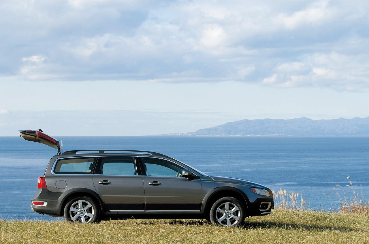 Images : 2番目の画像 - ボルボ XC70 - LAWRENCE - Motorcycle x Cars + α = Your Life.