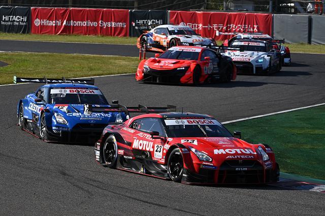 画像: ドライブする松田次生も驚いたMOTUL AUTECH GT-Rのトップ奪取。