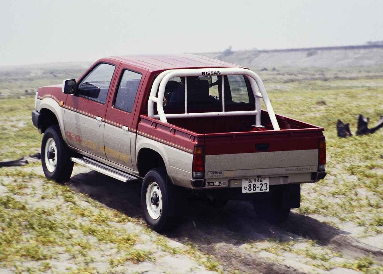 画像: 写真は最上級グレード「AD」。ツートンのボディカラーはADだけに設定された特別色のダークレッドM/シルバーMツートン。