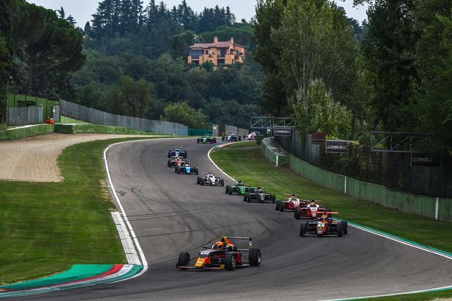 画像: 近年F1は開催されていないが、もちろんグランプリコースとして認定されているので、多くのビッグイベントが開催されている。写真は2019年のF4レース。