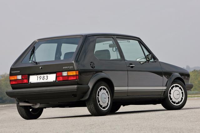 画像: ゴルフ1の後期モデルはテールランプが大型化された。これは1983年発売の限定モデル、ゴルフ GTIピレリ。