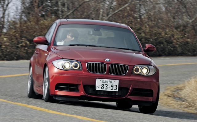 画像: BMW135iクーぺ。全長4370mmのコンパクトな2ドアボディに、3L直列6気筒ツインターボエンジンを押し込んだモデル。