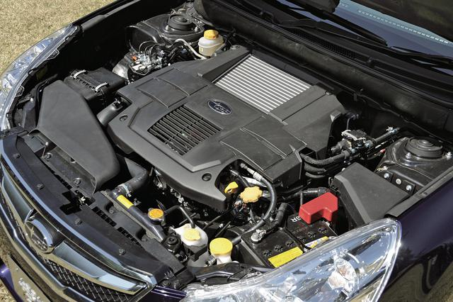 画像: 2.5Lに排気量アップされたターボエンジンの最高出力は5psアップにとどまるが、35.7kgmの最大トルクは2000-5600rpmで発生する。