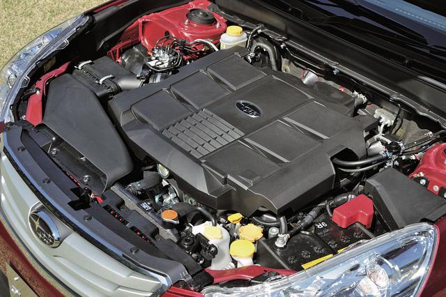 画像: アウトバック 3.6R専用となる3.6Lの水平対向6気筒 DOHCは260psと34.2kgmを発生。圧倒的な低振動と低騒音はフラット6ならでは。