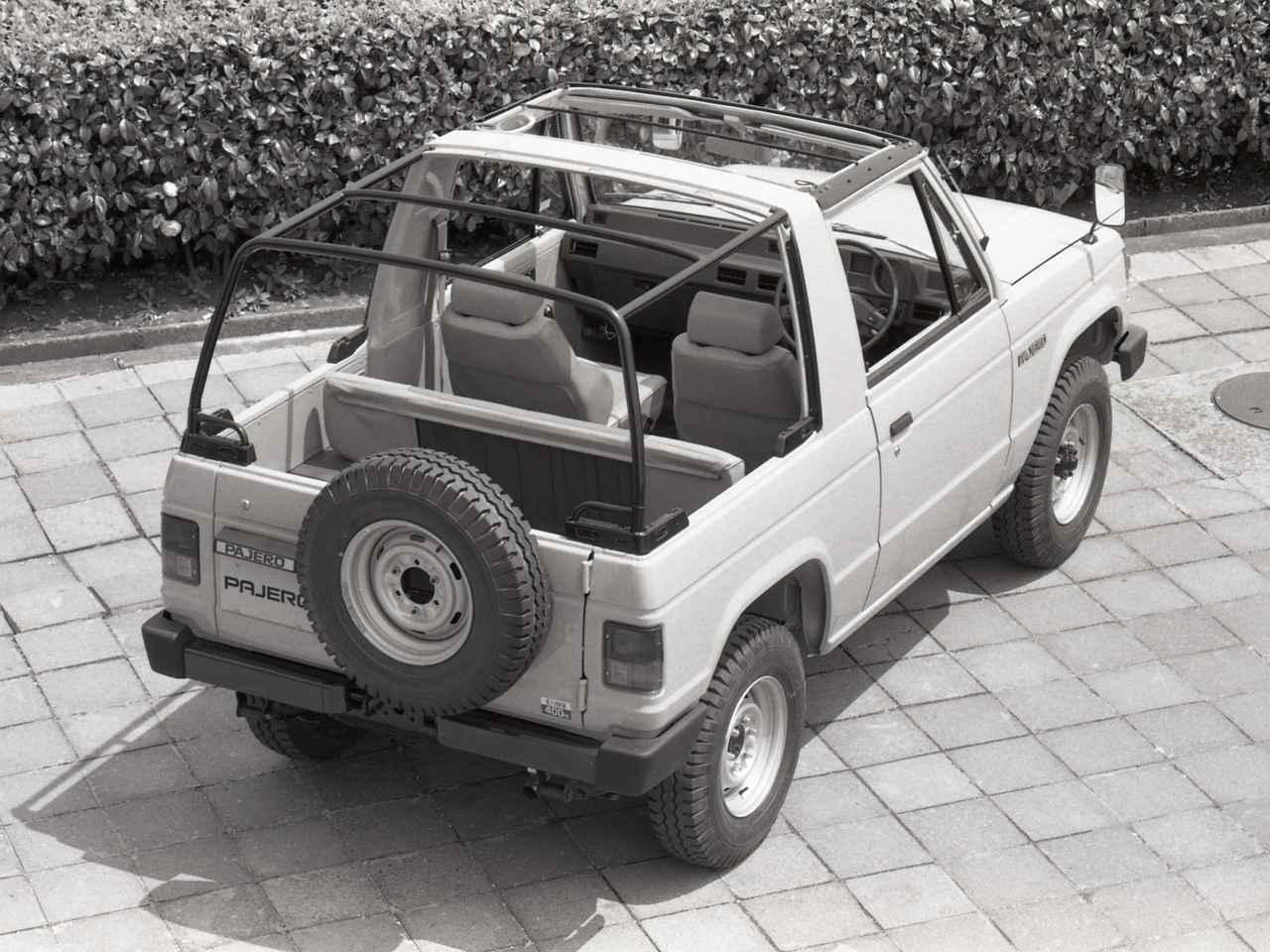 画像: デビュー当時のキャンバストップには2.3Lのディーゼルターボと2.3Lディーゼル、2Lのガソリンが設定された。