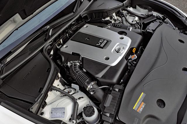 画像: バルブコントロール機構のVVELを搭載した3.7Lエンジンは、シンクロレブコントロールなどの制御システムが効果的だ。