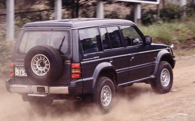 画像: 1993年7月19日のマイナーチェンジで、排気量を2476ccから2835ccへとアップさせた直4インタークーラー付ディーゼルターボ「4M40型(最高出力125ps/最大トルク30.0kgm)」を搭載した。写真はオプション搭載車。
