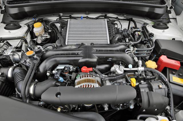 画像: エンジン制御やトランスミッション制御の改良などで、排出ガス★★★★+燃費基準15%以上を達成し、エコカー減税&補助金対応車となる。