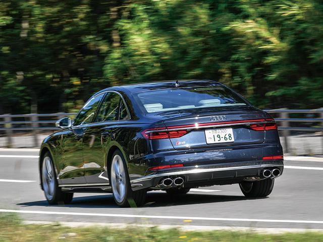 画像: アウディブランドを代表するフラッグシップサルーン、A8が4代目へと進化したのは、 2018年のこと。革新的な運転支援性能や48Vマイルドハイブリッドを採用したパワートレーンなど、先進性に富んだ進化を遂げていた。