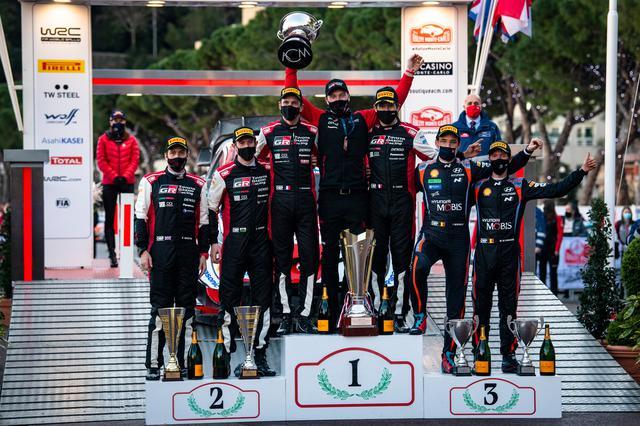画像: 開幕戦ラリー・モンテカルロの表彰台。トヨタが1-2フィニッシュを達成。