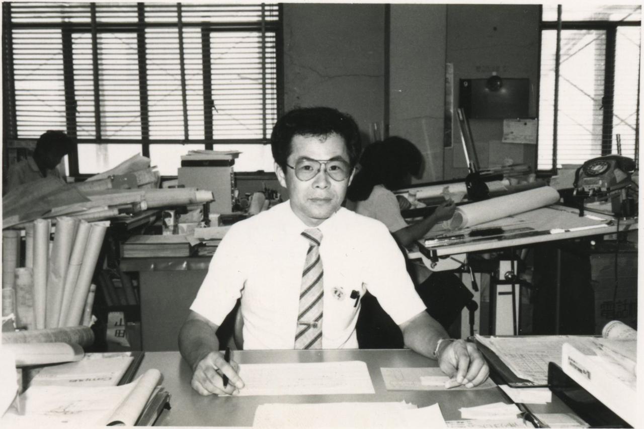 画像: 若かりし日の貴島さん。トラックをはじめスポーツカーも担当するなど、多忙な日々を過ごしていた。
