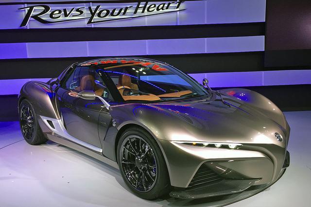 画像: 2015年の東京モーターショーにヤマハが参考出品した「スポーツライド コンセプト」。市販化が期待されたが…。