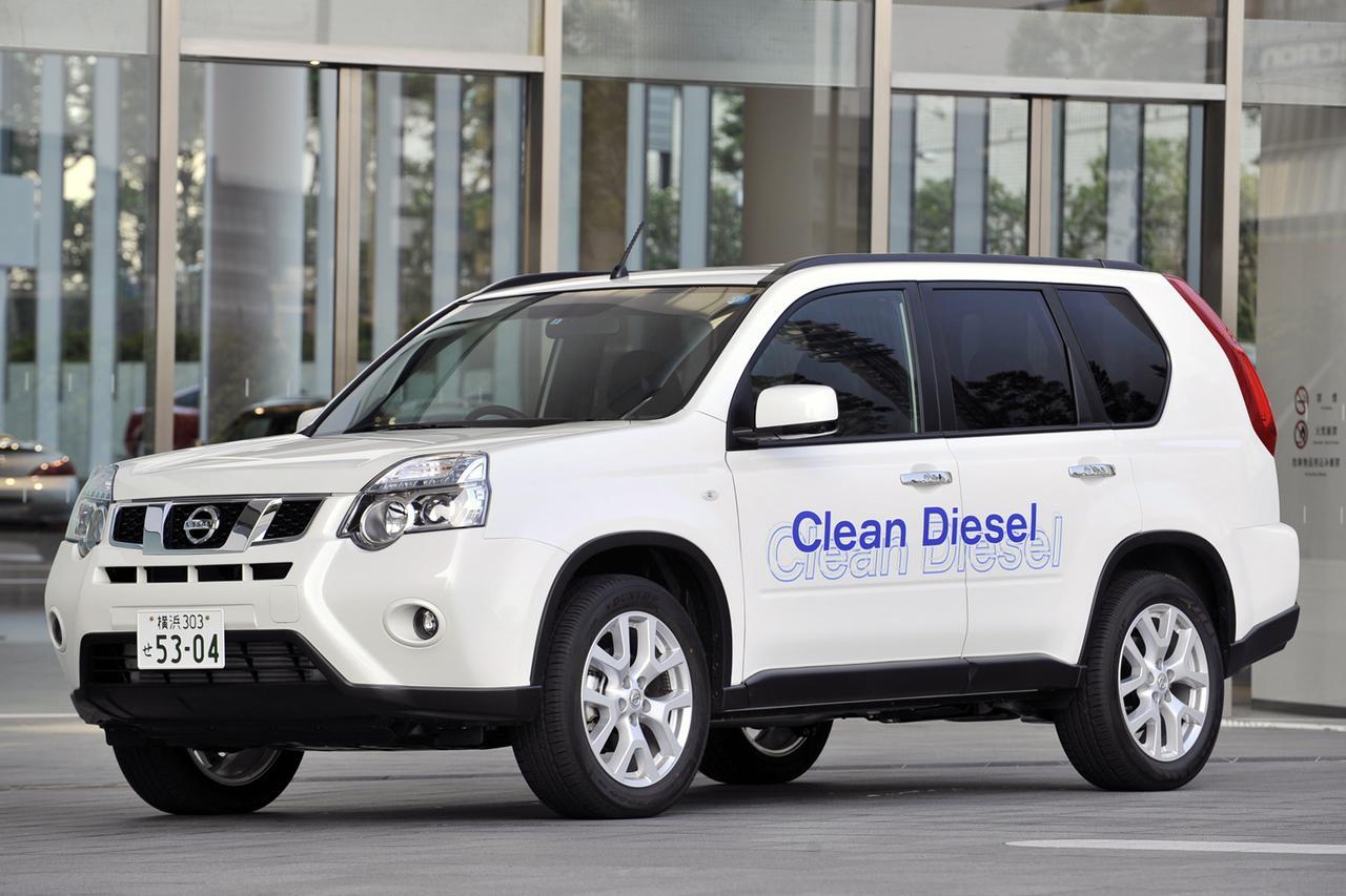 画像: ボディサイドの「Clean Diesel」ロゴは試乗車用に貼られたもの。キセノンのプロジェクター式ヘッドランプは20GTに標準装備。